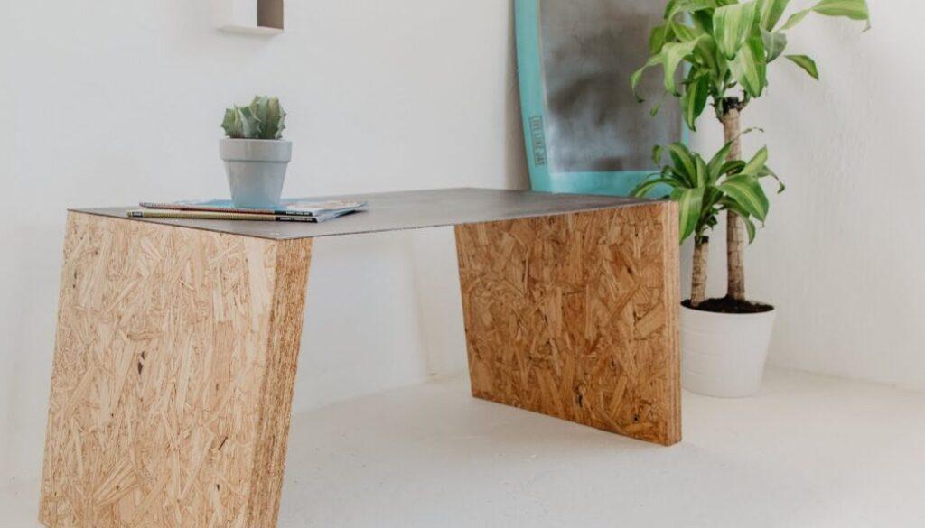 OSB desky stůl